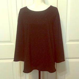 • Pullover Black Dressy Top •
